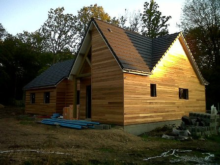 Maison en bois suivre la construction d 39 une maison bois for Maison ossature bois normandie